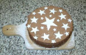 Milk chocolate mousse cake with hazelnut crunch